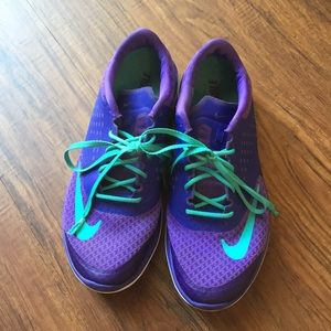 Nike Fit sole shoes size 10